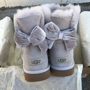UGG water resistant Bailey bow II ribbon Sz 7 NEW
